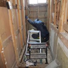工事中 : 床の基礎から改修します