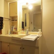 Before : 洗面化粧台が汚れてきた